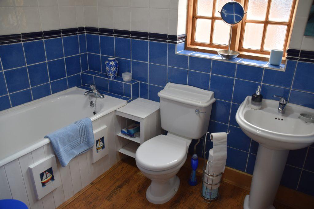 Coastguard Cottage Bathroom