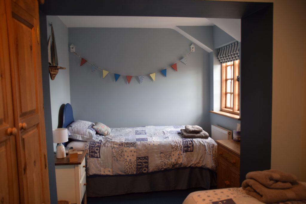 Coastguard Cottage Twin Bedroom 1