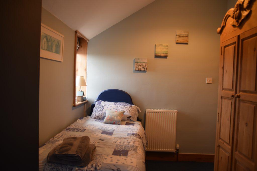 Coastguard Cottage Twin Bedroom 2