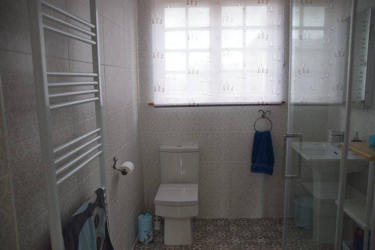Coastguard Cottage Shower Room